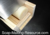 Cutting Cylinder Soap Log into Circular Bars